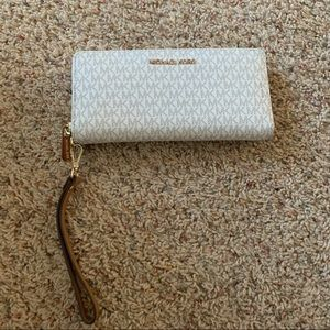 ❕GENTLY WORN Michael Kors Wallet | OS.